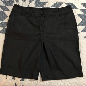 Ann Taylor Bermuda Shorts. Dark blue